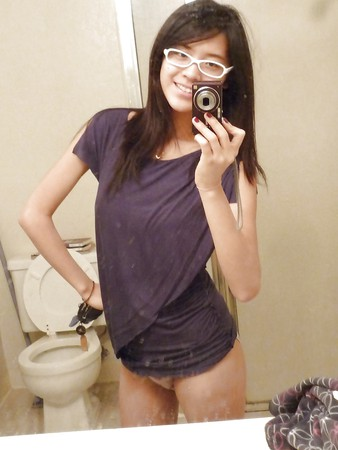 Nude asian girl with glasses